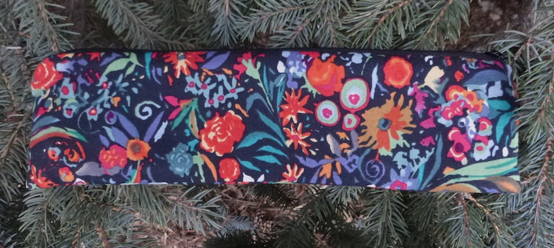 Pretty pouch for paper and reusable straws