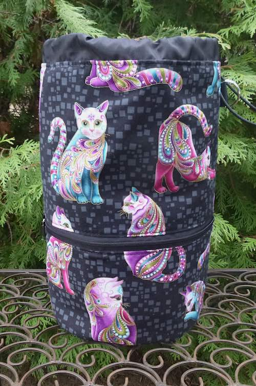 Knitting bag with cats and pockets