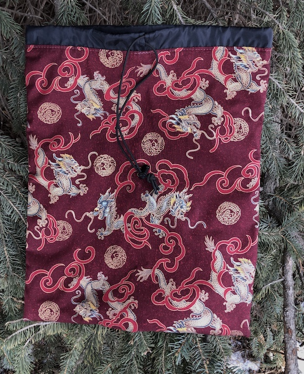 Asian dragons flat bag with drawstring for shoes lingerie knitting